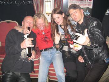 Hell-is-open mit Devil Lee Rot von den Schweden PAGAN RITES