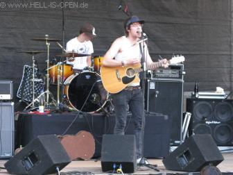 ear-O-tation Gitarrist und zweiter Sänger Ansgar, immer noch beim Soundcheck