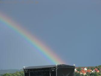 Nach dem Regen kam der Sonnenschein und der Regenbogen kam wohl aus der PSOA Bühne ;-)