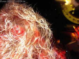 LAY DOWN ROTTEN Haare fliegen
