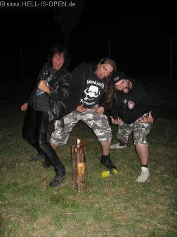 Black Metal Posing? 01:53 Uhr