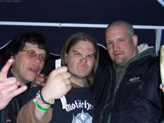 HIO Members & Marcel von Metal Dungeons (Mitte) genannt auch der Biervernichter.