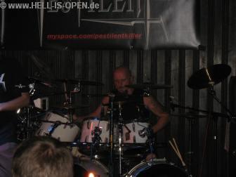 Sascha an den Drums