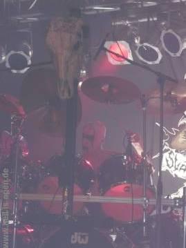 Geiles Corpsepaint des Drummer von Darkened Nocturn Slaughtercult