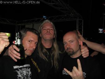 Pit mit Martin van Drunen und Bob Bagchus von ASPHYX die am nächsten Tag ihren Gig hatten