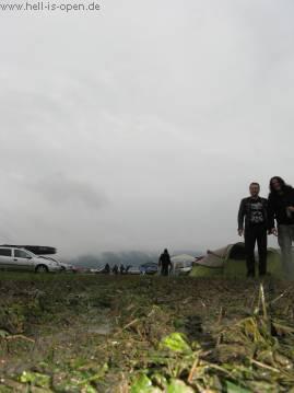 Ein Blick in den diesigen Himmel und erste Matscherscheinungen