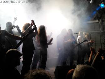 Suicidal Angels und Fans