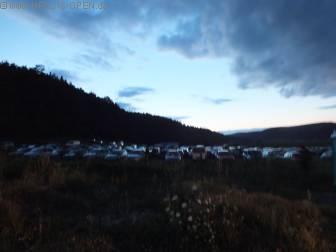 Äußerer Parkplatz bei Nacht