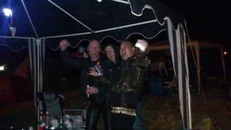 Freitag Nacht, 2:23 Uhr, 3°C Party am HIO Camp, mit dabei Purgatory