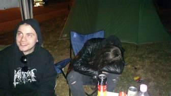 Freitag Nacht 2:21 Uhr und 3°C Erste Ausfallerscheinungen bei der wilden Party