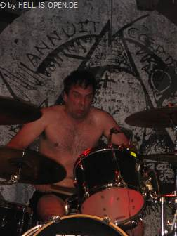 BRUTAL TRUTH der Drummer macht wie immer seine Faxen