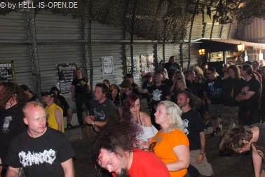 Fans bei MASSIVE ASSAULT