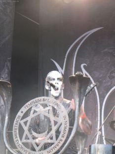 Nergal ist wieder fit! Hell yeah!