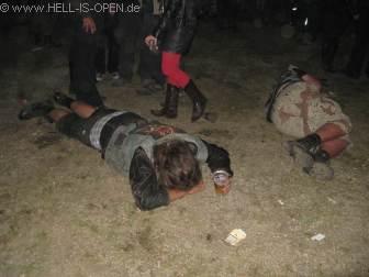 2:56 Uhr im Partyzelt
