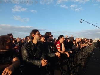 Fans bei Incantation