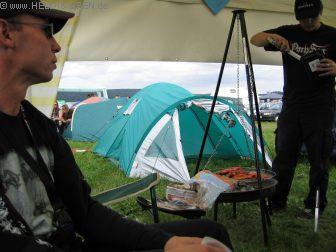 HIO am Nachmittag Grillen ist Krieg - Grillmeister Steven aka RedDevil beim grillen