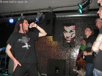Eraserhead aus Limburg machten den Opener mit brutalem Death Metal und brachten den Saal mächtig im Stimmung.