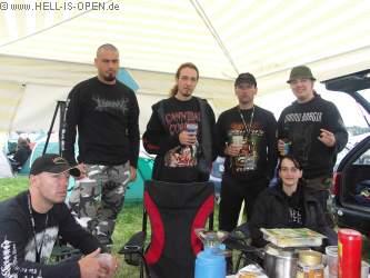 Hell-is-open.de und zwei Kreuznacher Metaller am Campingplatz