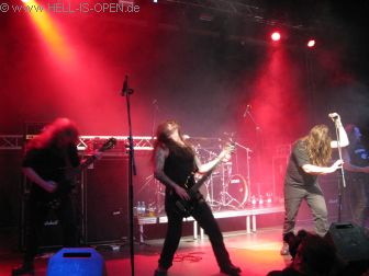 Mourning Beloveth mit Doom aus Irland