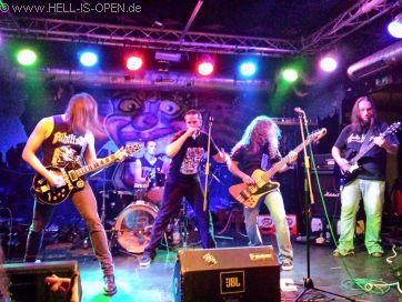 Wound aus Wiesbaden mit ihrem old school Death Metal sind Headliner des Abends