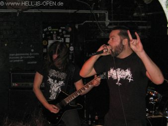 Wound aus Wiesbaden kommen mit ihrem crustigen old school Death Metal
