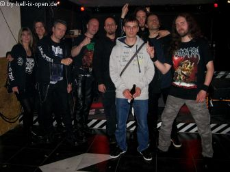 Gruppenbild mit Members von Affliction Gate, Mercyless und Revel in Flesh :-)