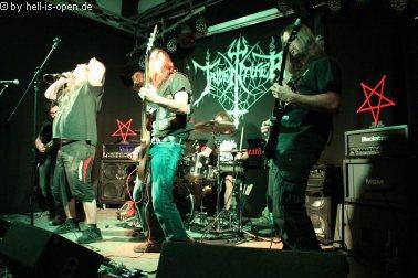 Tridentifer aus dem Raum Kaiserslautern mit ihrem old schooll Schweden Death machen den Opener