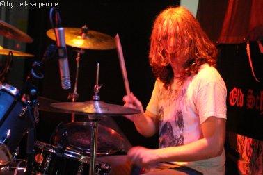 Wound Drummer Robin