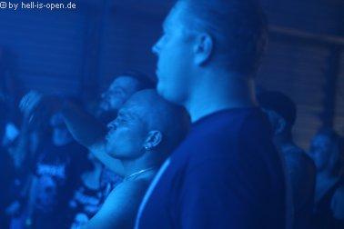 Musiker und Fans bei Purgatory