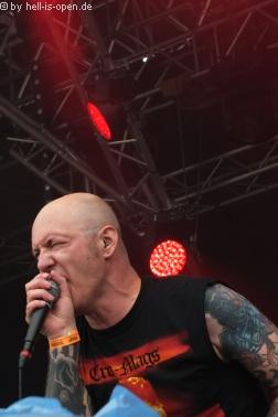 WOLFBRIGADE mit crustigem Death Metal