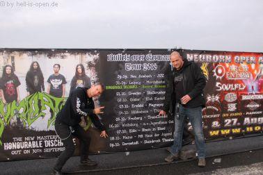 Freitag Fingerzeig auf den Humilation Gig in Mainz beim Path of Death