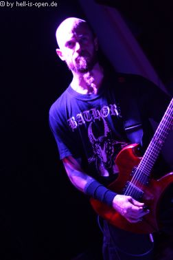 Torture Killer aus Finnland sind der Headliner Gitarrist Tuomas Karppinen