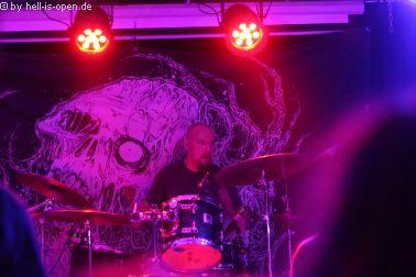 Torture Killer aus Finnland sind der Headliner Drummer Tuomo Latvala