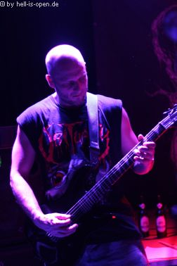 Torture Killer aus Finnland sind der Headliner Gitarrist Jari Laine