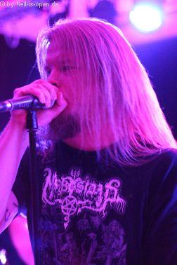 Torture Killer aus Finnland sind der Headliner Sänger Pessi Haltsonen
