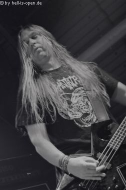 ASPHYX Alwin am Bass