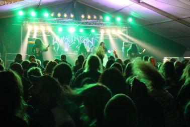 Super Stimmung bei Humiliation aus Malaysia mit groovy Death Metal