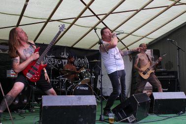 Hamerhaai aus den Niederlanden unterstützt durch Carl (Massive Assault) als Gastsänger