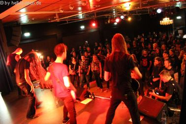 Horresque mit Black/Death Metal begeistern die Fans
