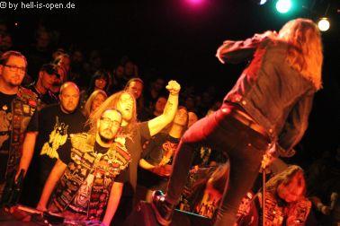 Deathrite mit Fans