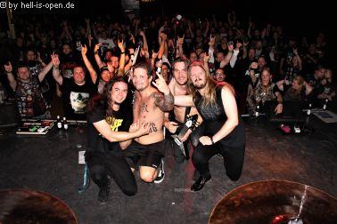 LIK (se) und Fans nach dem Gig beim Path of Death 6 in Mainz