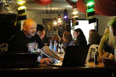 Aftershowparty im M8 läuft an und DJ Mario legt auf