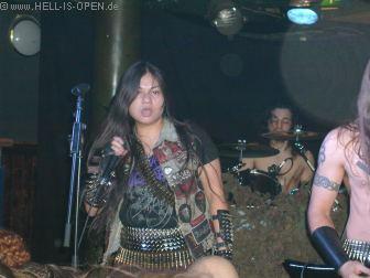 ADORIOR Black Metal aus England Zarter Frauengesang ;-)