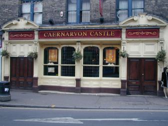 So sieht der Pub bei Tageslicht von draußen aus
