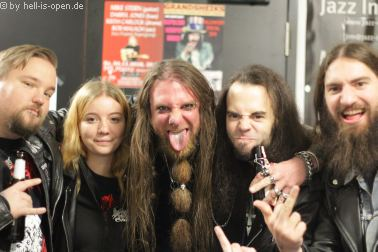 Atomwinter und Fans beim Path of Death 7 in Mainz