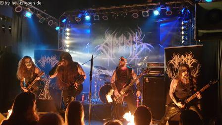Halphas mit Black Metal