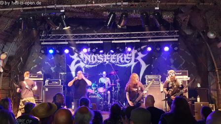 Endseeker  mit old school Death Metal