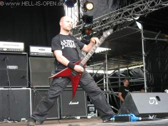 Severe Torture, der Gitarrist spielt übrigens auch in der Band NOX