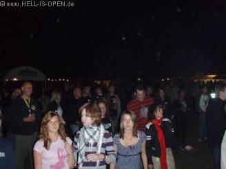 HIO-Members  und Publikum beim Sabotage Gig