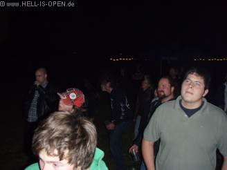 Publikum beim Battle Against The Empire Gig